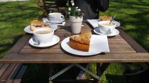 Kaffee und Kuchen um halb zwölf