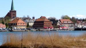 Neustadt i.H. mit Binnenwasser Kirche und Pagodenspeicher