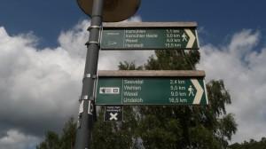 Nach Einkehr in Handeloh hier weiter. Noch 16,5 km nach Undeloh? Auf dem E1 sind's 4 weniger!