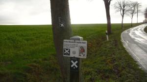 Der X9 verdeckt die E1 Markierung: Frechheit!
