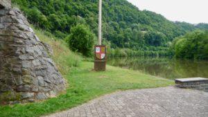 Lahnufer Balduinstein flußabwärts