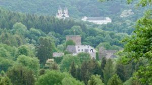 Kloster Arnstein hinten, Schloss Langenau vorn